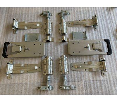 Комплект фурнитуры на задние  ворота фургона  с рукояткой Пуш усиленная   d-22 .